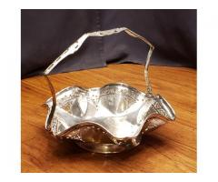 Benedict EPNS Silverplate Ruffle Edge Basket #1114 Floral Br...