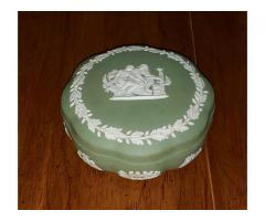 Wedgwood Jasperware Green Scalloped Box w/ Lid Candy Trinkets