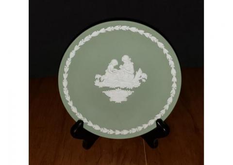 Wedgwood Jasperware Green Mother 1972 Collector's Plate